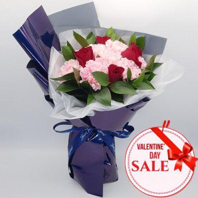 Valentine's Mixed Flower in Bouquet